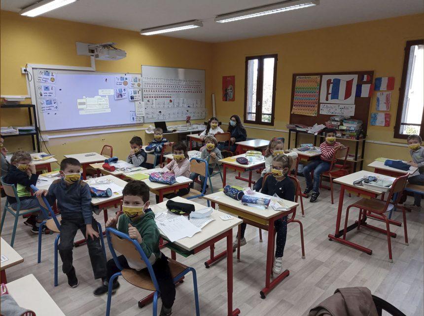 Distribution de masques «made in France» aux primaires